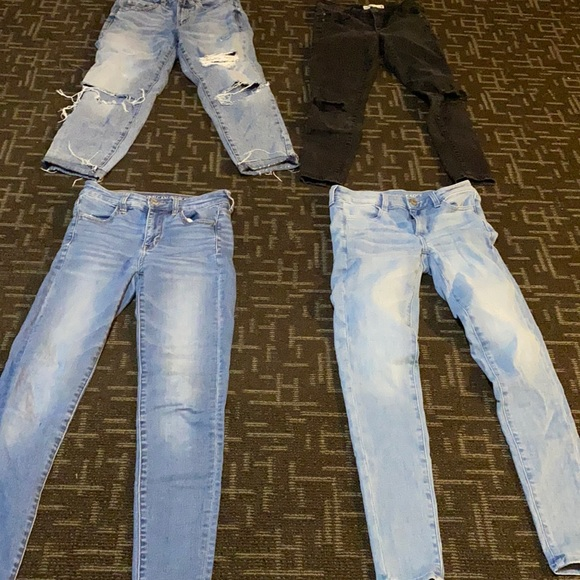 4 pair of jeans